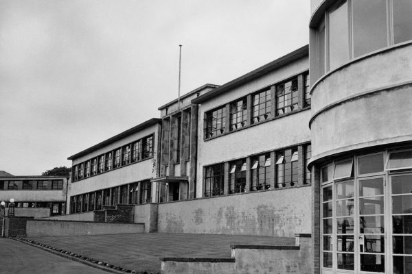 Photo of Rossie building outside 1960