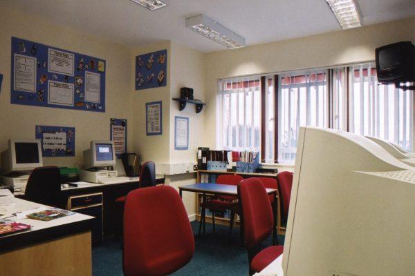Rossie computer room 1990s-16