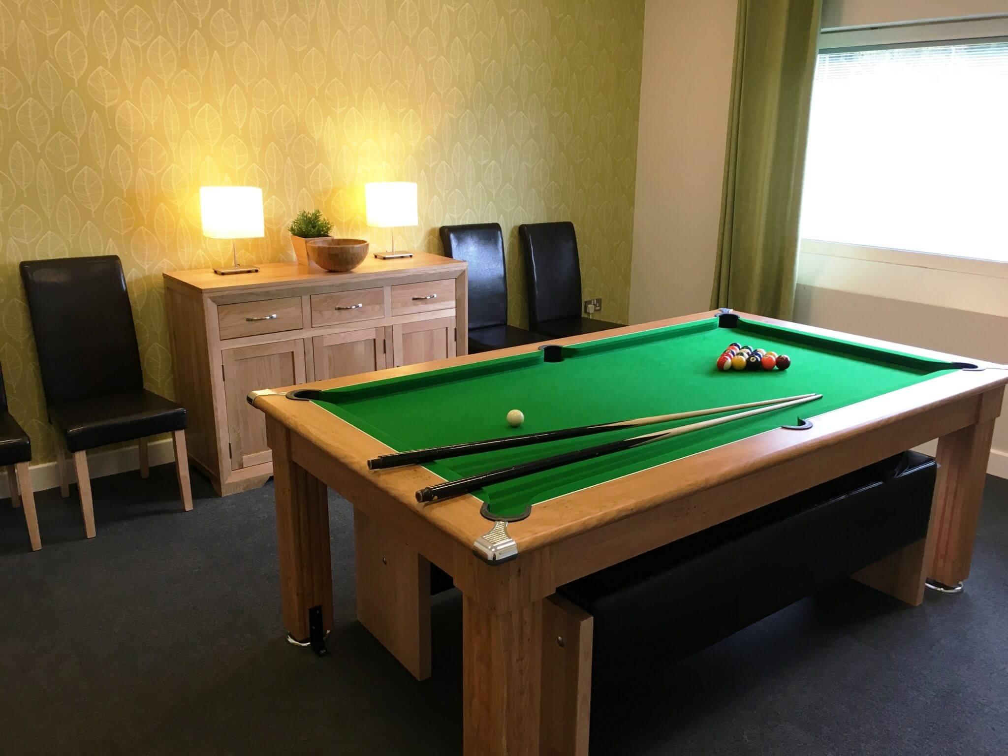 Inside Rossie pool table2016-1